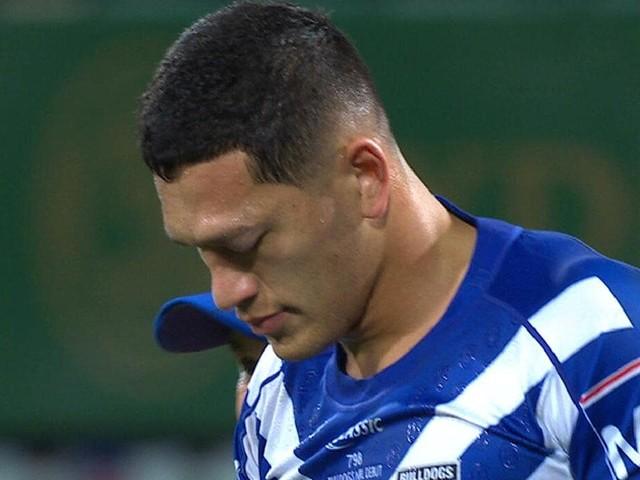 Dallin Watene-Zelezniak suffers brutal eye knock in debut for Bulldogs