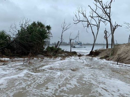 Experts say Bribie Island split inevitable as boaties fear 'catastrophic' impact