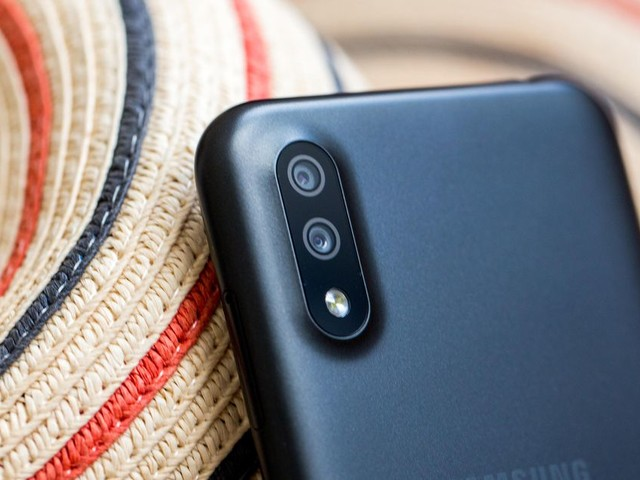 8 best phones under $200: Our picks for 2020 budget phones that work great - CNET