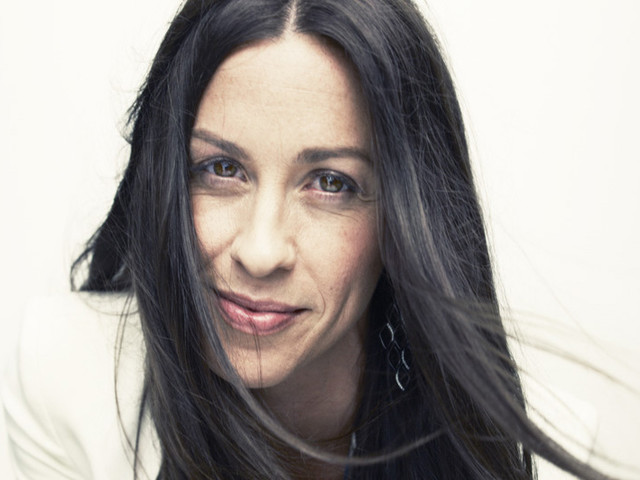 'You Oughta Know'! Alanis Morissette Celebrating 25 years of Jagged Little Pill at Bluesfest Byron Bay this Easter!