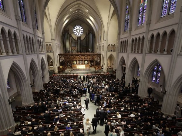 Dignitaries, sports stars arrive for Barbara Bush funeral