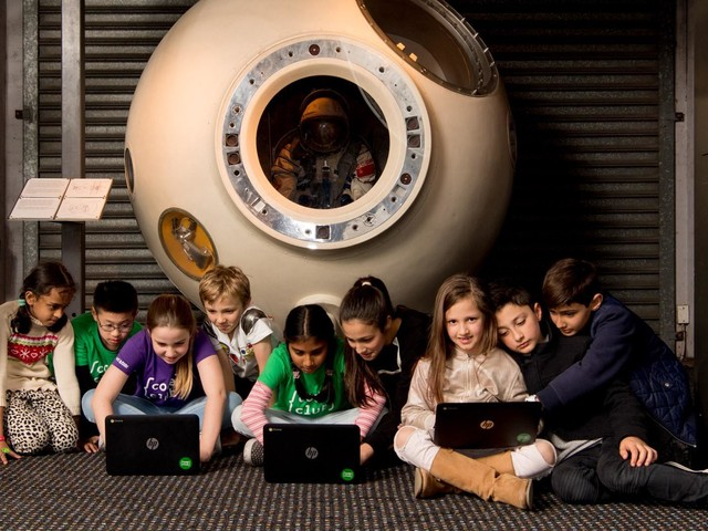 Moonhack 2018: 24000 kids learn to code to prepare for the future