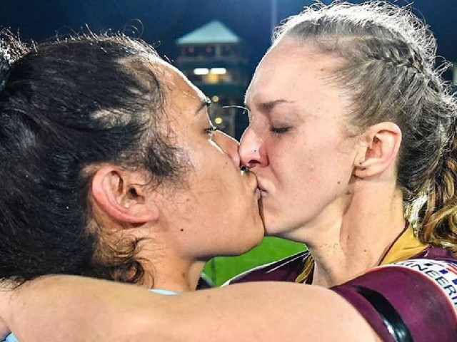 Savage reaction to State of Origin kiss