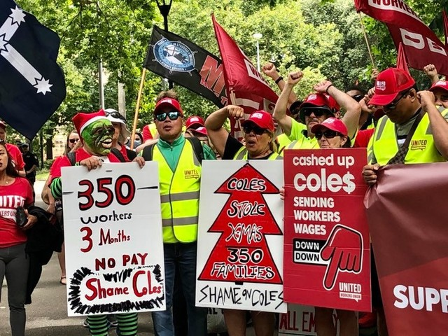 Coles warehouse workers reluctantly accept agreement