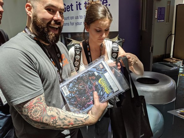 Comic-Con has the nerdiest FedEx in the world - CNET