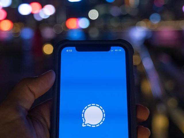 What is Signal? Inside the private messenger app - CNET