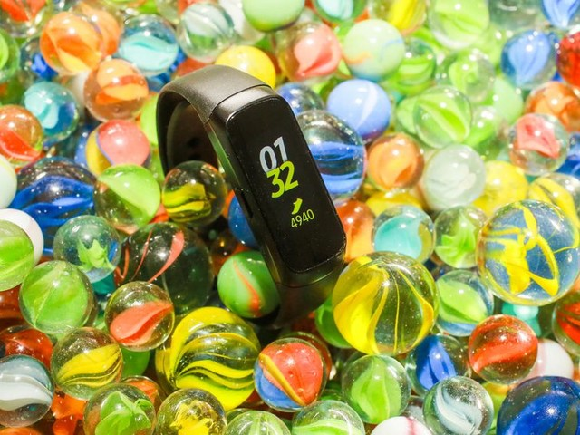 Get a Samsung Galaxy Fit fitness tracker and Galaxy Buds bundle for $150 - CNET
