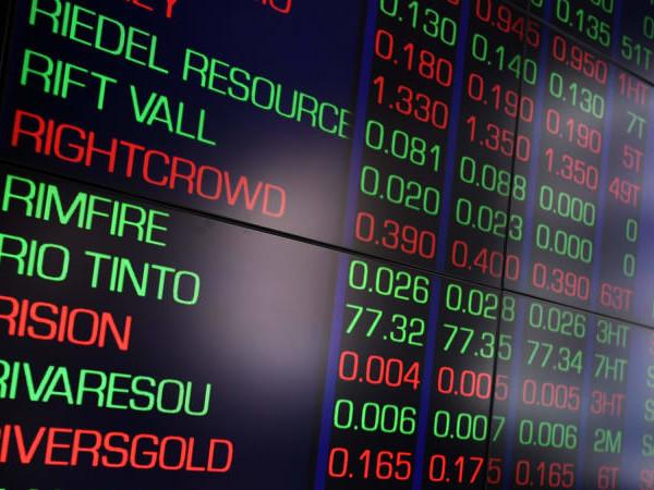 Financials weigh ASX ahead of Hayne interim report