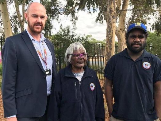 Aboriginal healers treat patients alongside doctors and nurses