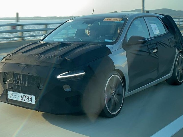 New Hyundai i30 N auto 2021 spied! Auto hot-hatch out for glory against VW Golf GTI
