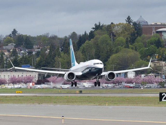 Boeing ousts exec as it announces 'significant progress' on 737 Max fixes - CNET