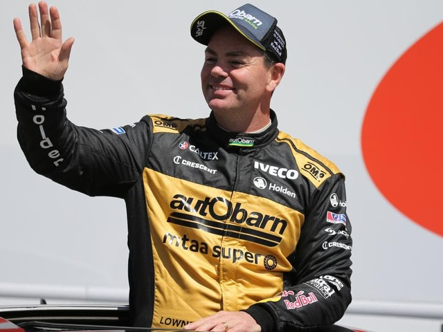 Craig Lowndes confirms contract extension with Red Bull Holden Racing Team