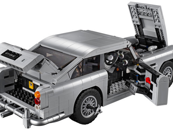 LEGO Recreated James Bond's Aston Martin DB5 Complete With Ejector Seat And Hidden Machine Guns