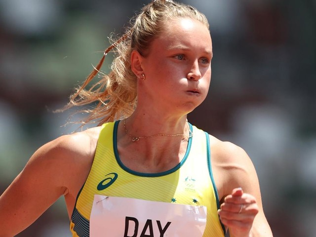 Athletics LIVE: Aussies shoot for finals on the track, two pole-vaulters in action