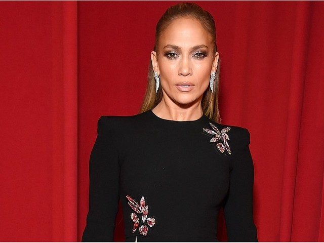 Whoa, Whoa, Whoa! Jennifer Lopez's Thigh High Slit Goes Dangerously High