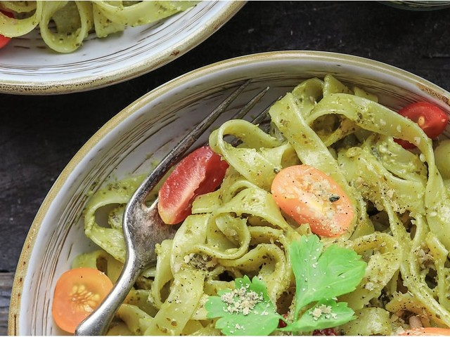 The Vegan Pesto Sauce That Will Pimp Your Pasta