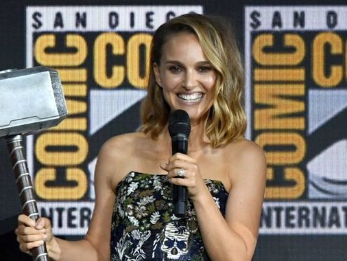 Natalie Portman to play female version of Thor in upcoming Marvel film