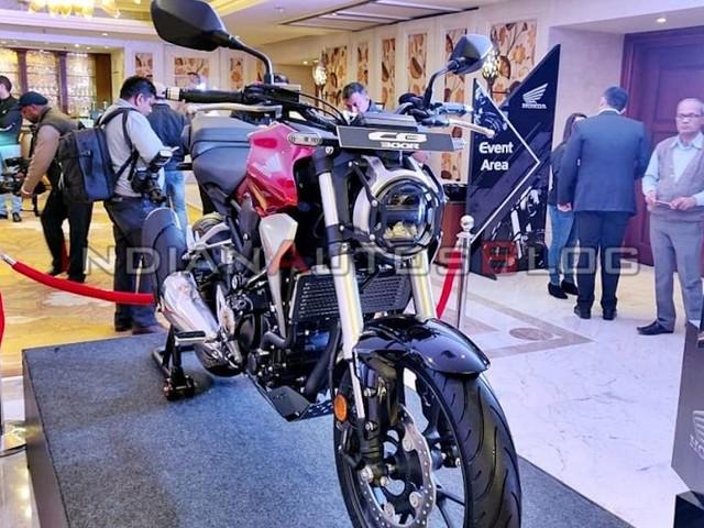 Honda CB300R Accessorised Version Showcased