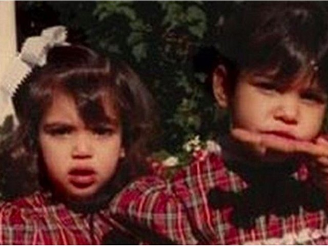 Kris Jenner Posts an Adorable Christmas Throwback Picture of Kim and Kourtney