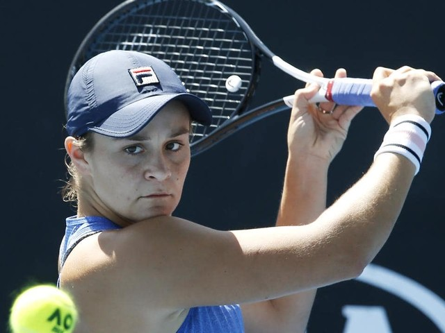 Australian Open 2019: Tennis greats Kim Clijsters, Martina Navratilova say Ash Barty can win the tournament