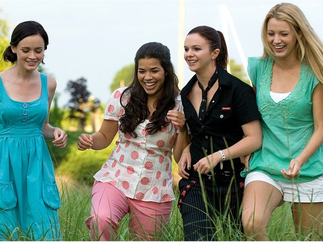 There's Going to Be a Sisterhood of the Traveling Pants Musical, and We Need Tickets NOW