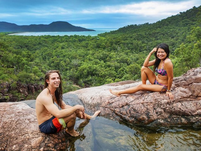 Greenies want to keep us off tourist track