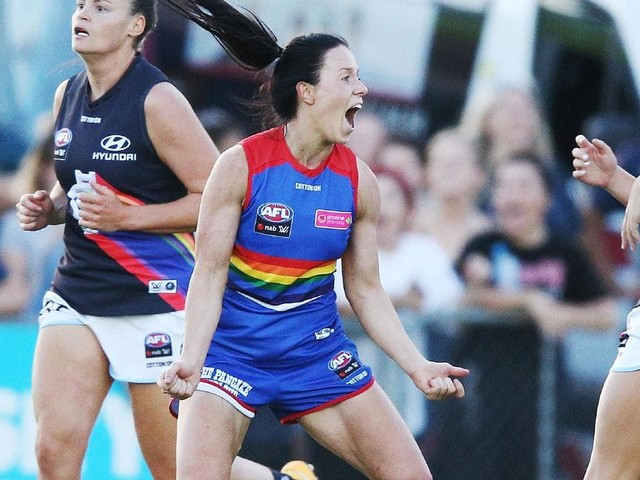 AFLW 2019: Bulldog Brooke Lochland suffers major blow on eve of the season