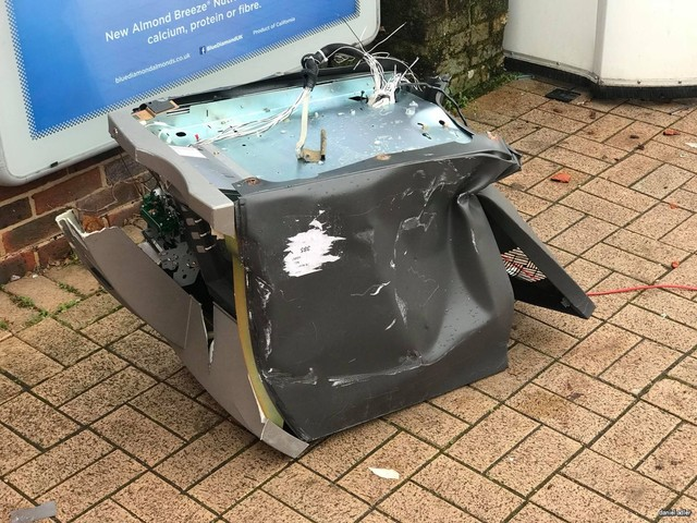 Surrey & Hampshire ATM thefts: 5 men plead guilty