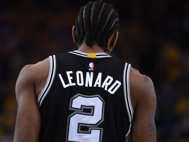 Spurs' Kawhi Leonard, Raptors' DeMar DeRozan swap franchises in blockbuster NBA move