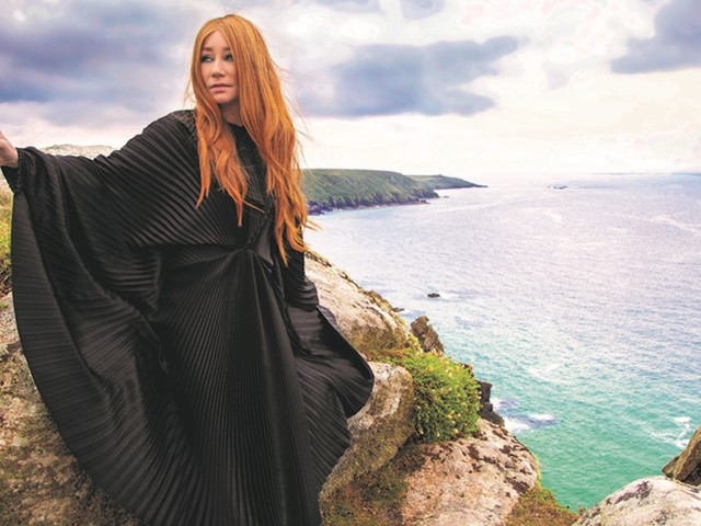 """Tori Amos Navigates Her """"Own Private Hell"""" On Upcoming New Album"""