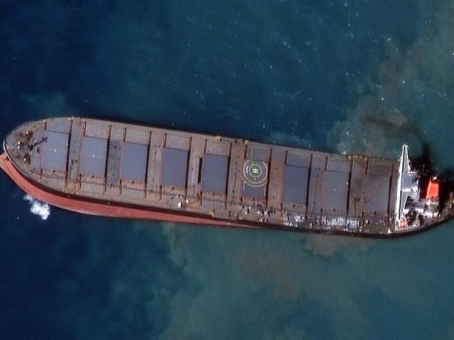 Devastating Mauritius oil spill seen spreading in images from space - CNET
