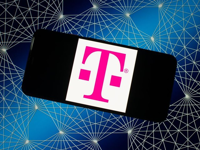 T-Mobile adds new $15 Connect plan, free YouTube Premium amid coronavirus - CNET