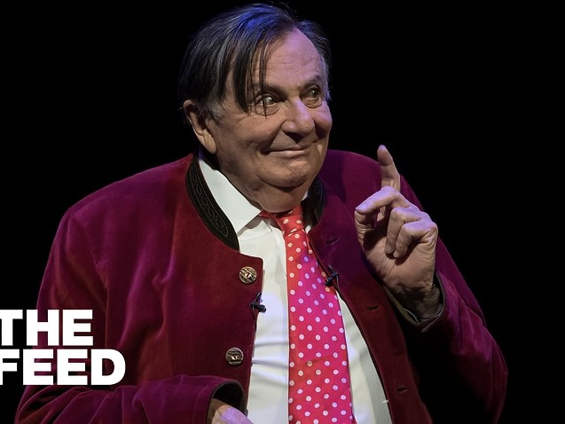 Barry Humphries' name quietly dropped from Melbourne International Comedy Festival award