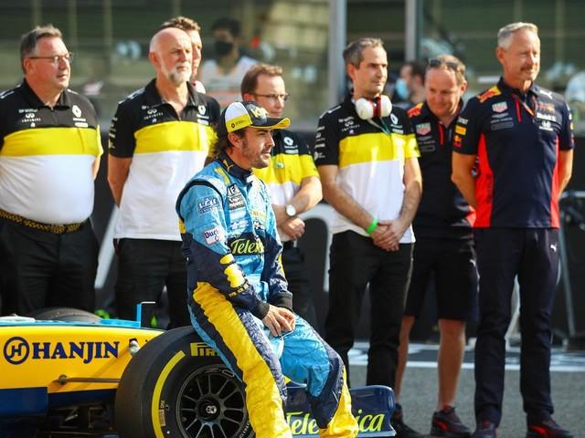 'Completely new': F1 champions Mercedes unveil new car, but won't reveal big secret