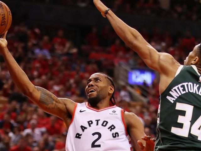 NBA Playoffs: Kawhi Leonard shines, Giannis Antetokounmpo struggles in double-OT madness