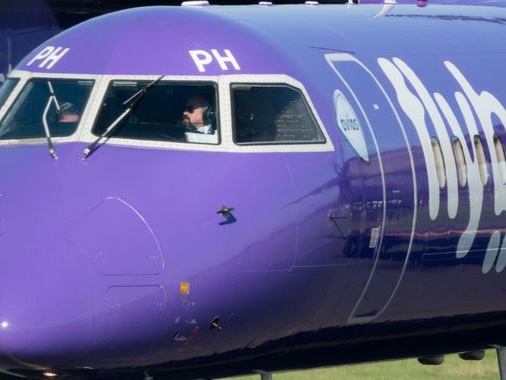 Arizona airline Mesa swoops with bid to ground Flybe deal