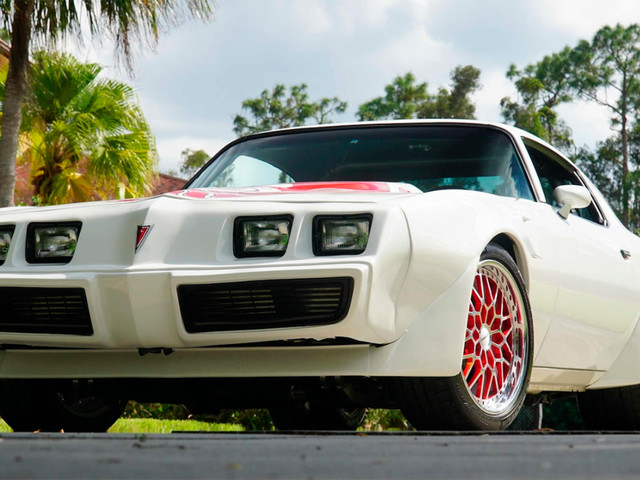 This 1981 Pontiac Turbo Trans Am Will Light Your Pants On Fire With Its 1,300HP Twin-Turbo LS9