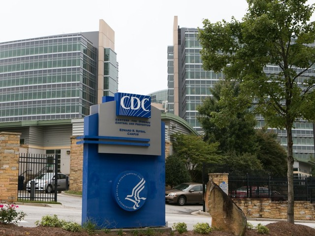 U.S. Health Authority Relaxes Quarantine Guidelines for People Exposed to Covid-19
