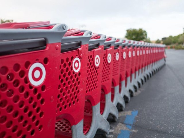 Target down (then back up) as store registers fail and leave long lines - CNET