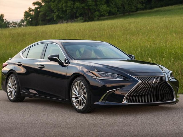 2018 Lexus ES 300h Launched In India, Priced At Rs. 59.13 Lakhs