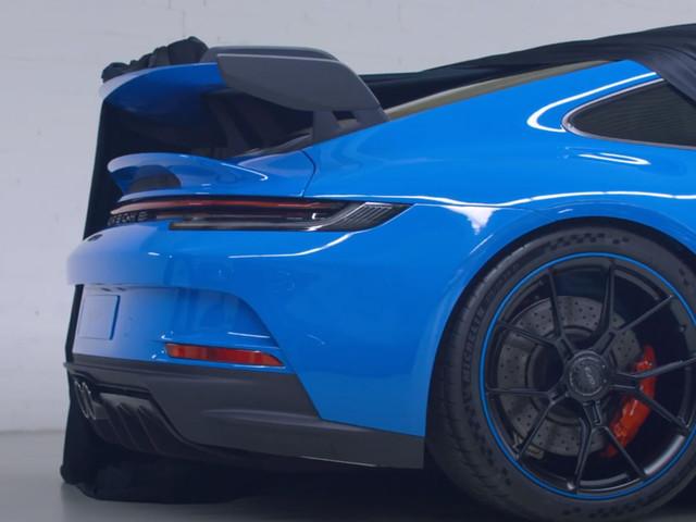 Chris Harris Gets A First Look At The New Porsche 911 GT3