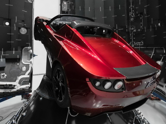 Starman's Slowly Decaying Tesla Roadster Shot Past Mars