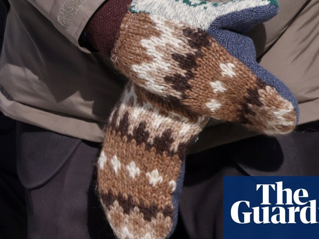 How to make Bernie Sanders' inauguration mittens
