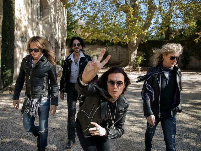 The Dead Daisies – 'Holy Ground'