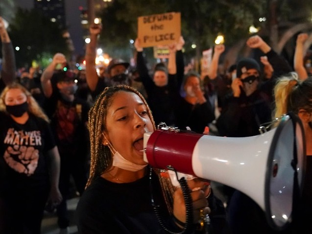 Louisville protests continue into a second night over Breonna Taylor ruling