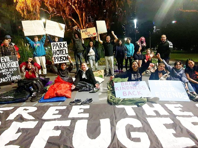 Refugee supporters call on Victorian premier to act against cruelty