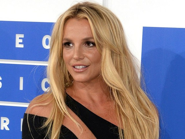 Britney Spears' New Lawyer Files to Remove Father Jamie Spears From Conservatorship