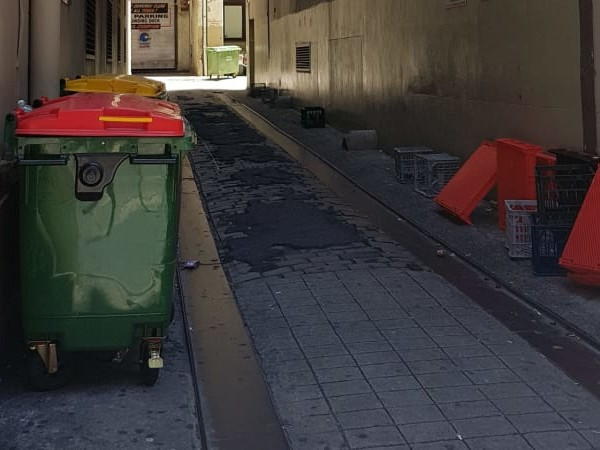 Stoush over 'completely useless' Sydney laneway