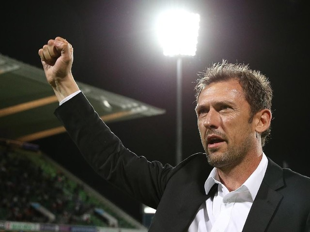 Perth Glory owner Tony Sage says a meeting with Tony Popovic won him over