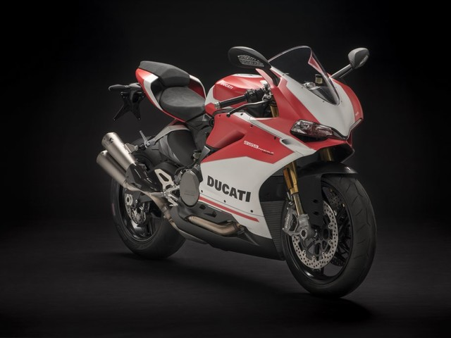 Ducati 959 Panigale Corse Launched, Priced At Rs. 15.20 Lakhs